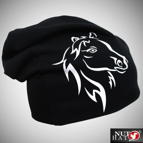 Musta trikoopipo hevosen kuvalla