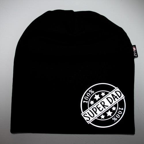 Musta trikoopipo valkoisella super-dad logolla