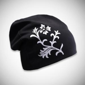 Musta trikoopipo kukkakuviolla