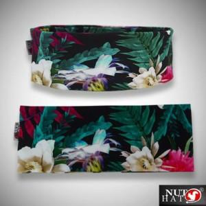 Musta trikoopanta värikkäällä kukkakuosilla