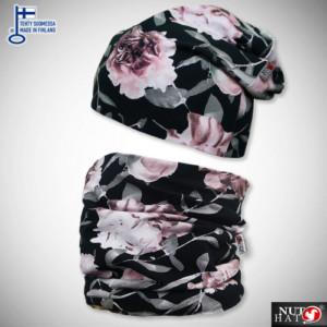 Mustat trikoopipo ja tuubihuivi vaaleanpunaisella ruusukuosilla