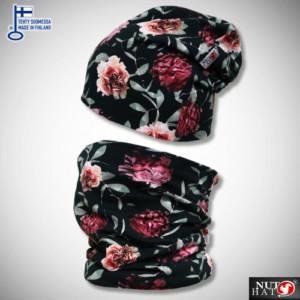 Mustat trikoopipo ja tuubihuivi punaisella ruusukuosilla