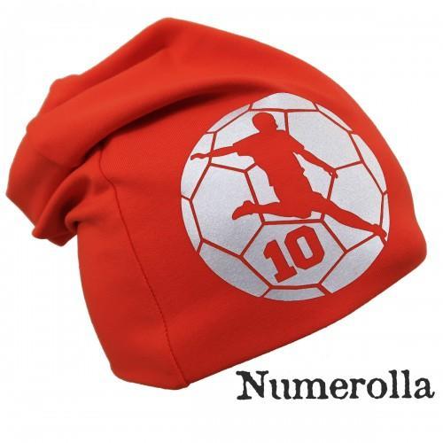 Punainen trikoopipo jalkapalloilija kuvalla