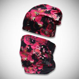 Mustat trikoopipo ja tuubihuivi pinkillä liljakuosilla